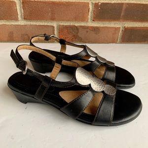 Naturalizer Javas black leather sandals